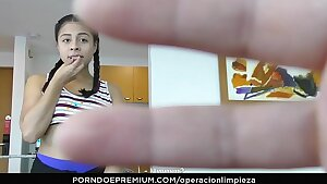 OPERACION LIMPIEZA - Colombian maid seduced and fucked firm by employer