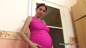 Pregnant red-haired taking bbc