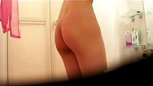 Japanese Beauty Takes A Bath Hidden Web cam Clip from www.unluckylady.com